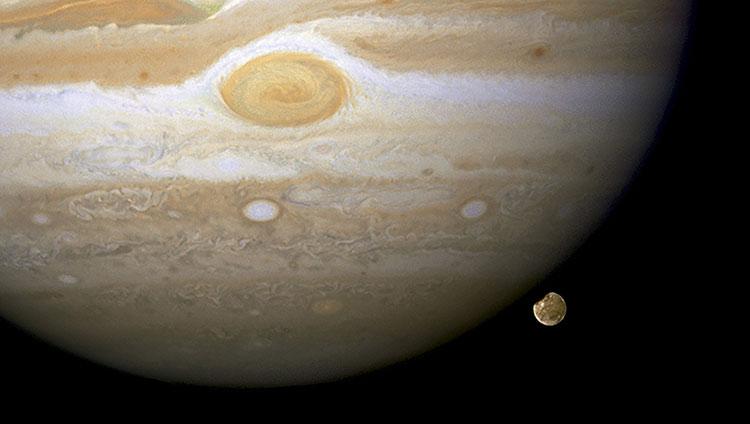 Jupiter y Luna Ganímedes