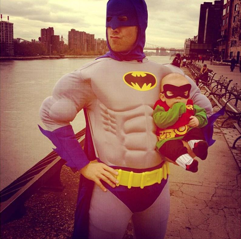 padre-e-hijo-batman-robin-3