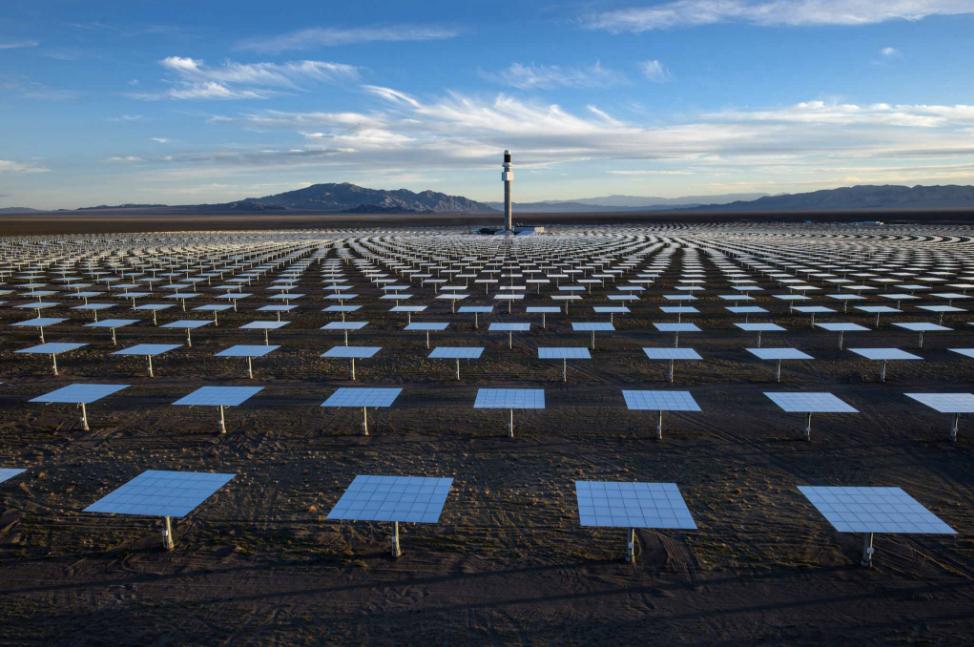 Jamey Stillings fotografo planta solar