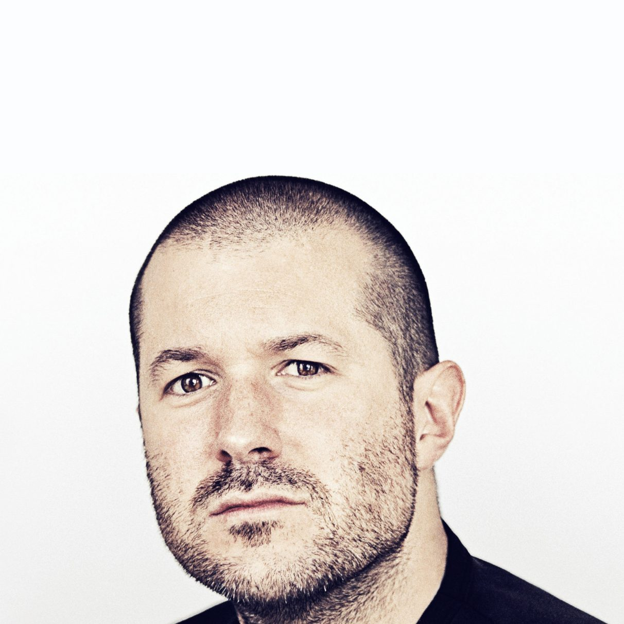cd_2732x2732_0029_freeios7-com_apple_wallpaper_jony-ive-cool_ipad_retina_parallax