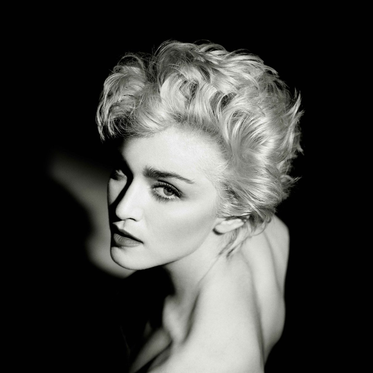 papers.co-hd52-madonna-dark-sexy-music-pop-celebrity-ipad-pro