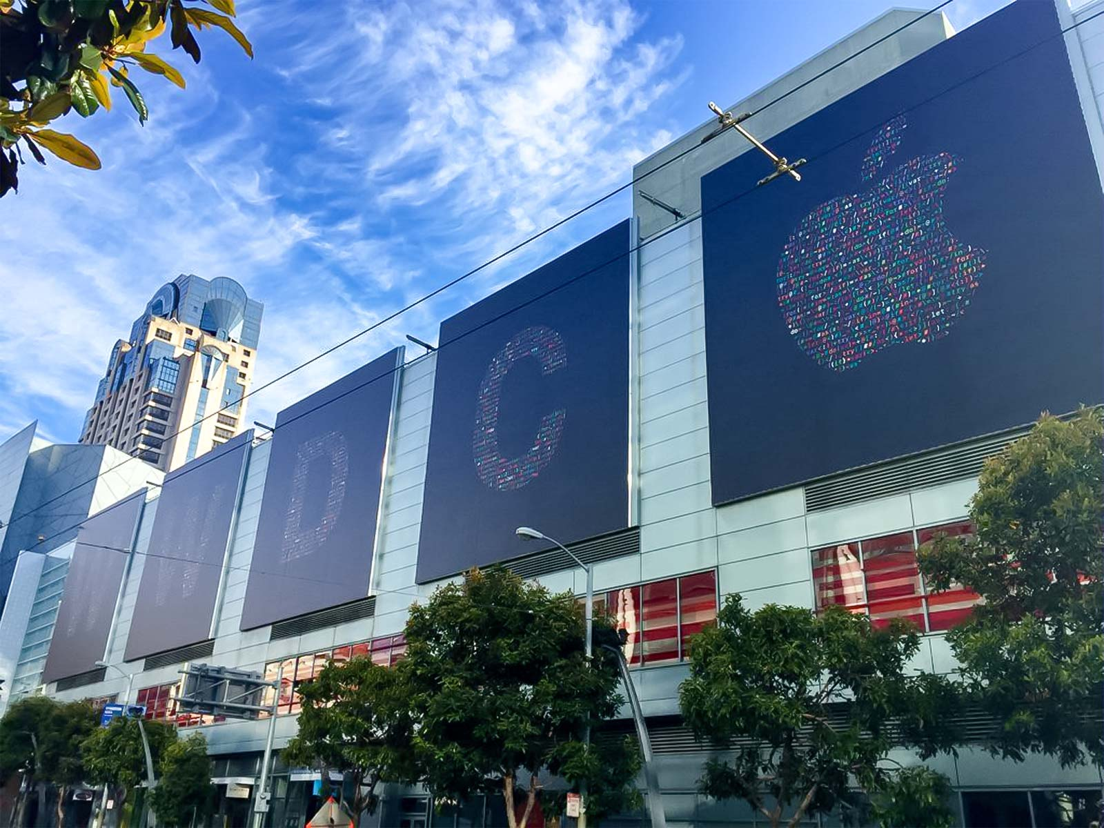تزيينات موسكون ويست لمؤتمر WWDC 2016
