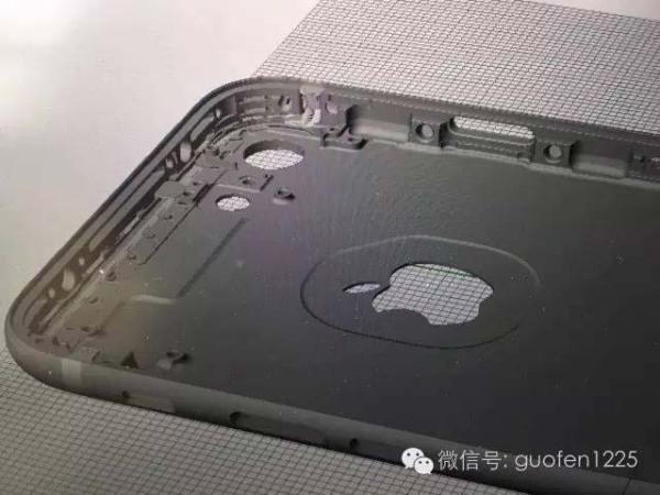 iPhone-7-Inside-CAD-Leak