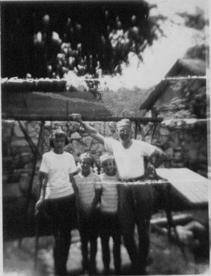 Ann, Grace, Sue, Ted, 1947