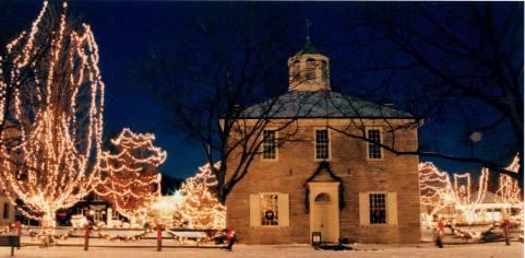 Corydon Capitol at Christmas