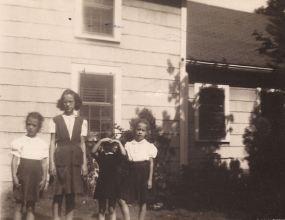 Grace, Ann, Rica, Sue 1944