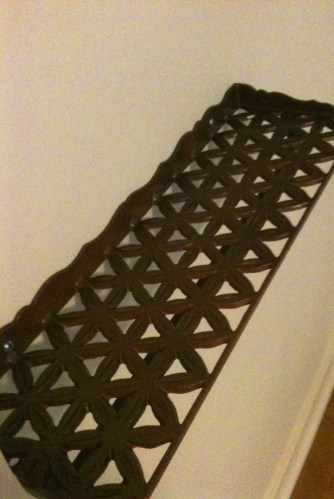 This was Clara's cast iron shelf that was orange -- originally seen in Post 10. Clara's Kitsch.