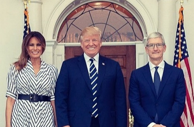 """Donald Trump Says Tim Cook """"Made a Good Case"""" Against Importing Taxes from the U.S. Government."""