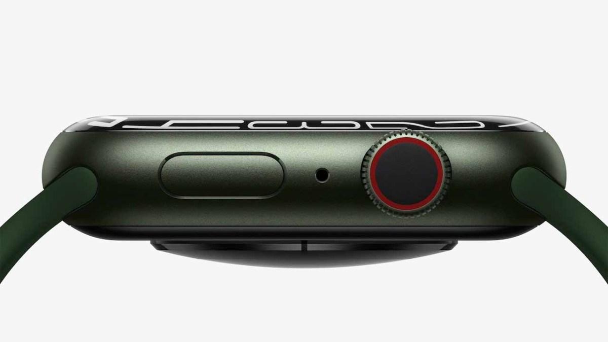 Apple Watch Series 7 отличается большим дисплеем с более мягкими изгибами по краям.