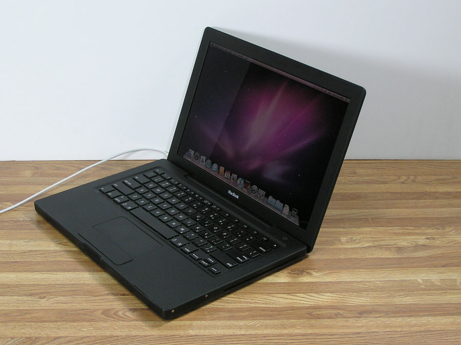 blk-macbook-4.jpg