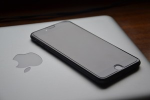 iphone macbook