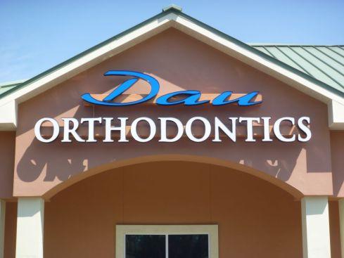 Sign Example - Dau Orthodontics