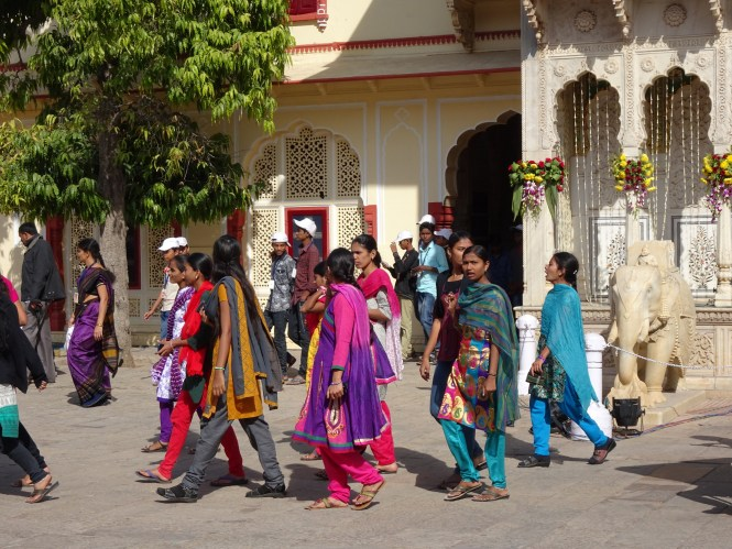 wissenswertes indien kurti und saree