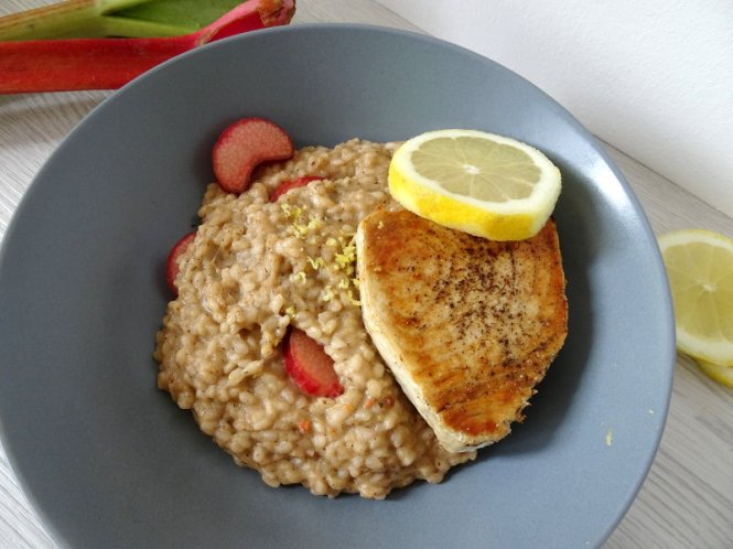rhabarber risotto mit thunfisch
