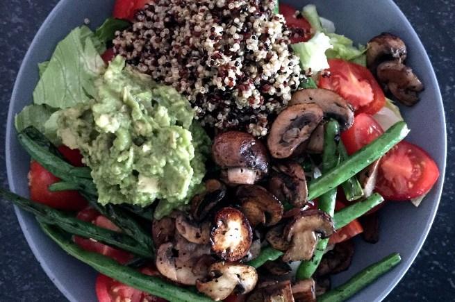 bowl mit quinoa