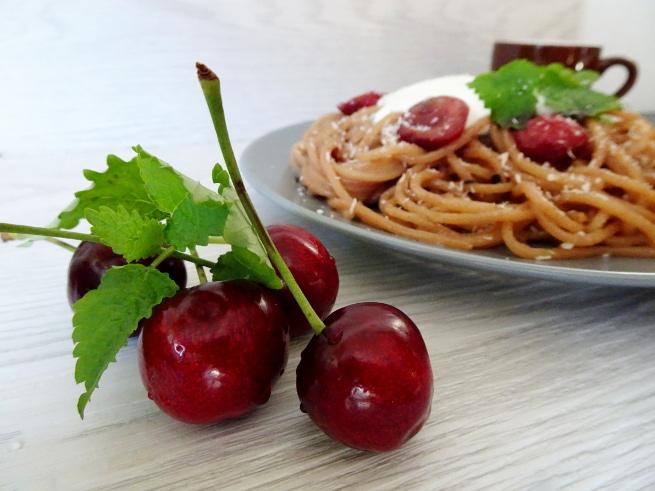 pasta mit kirschen