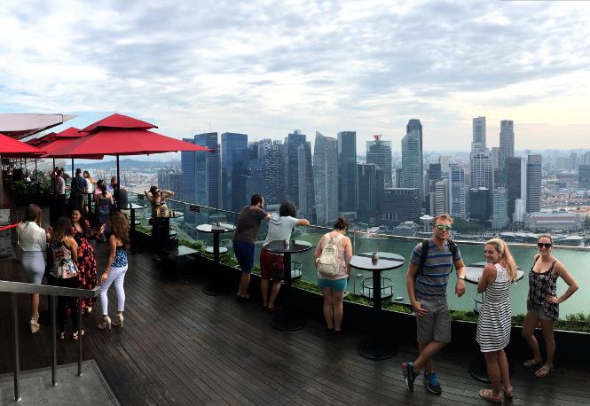 marina bay sands rooftop view singapur travelguide urlaub