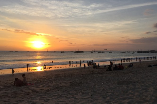 reisetipps bali sanur sunset jimbaran beach