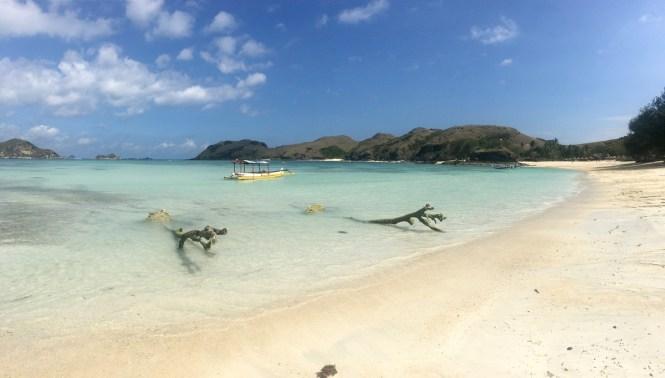 travelguide-lombok-tanjun-aan-beach-boot
