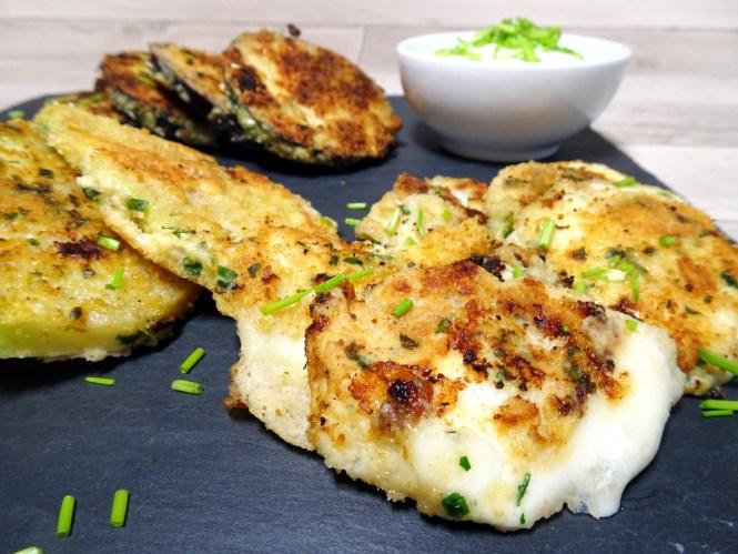 mozzarella paniert mit käse und kräuter