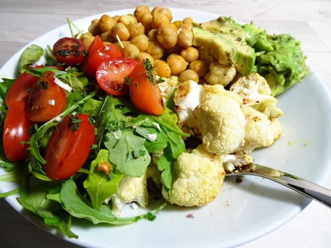 blumenkohl rezepte bowl vegan avocado rucola tomate