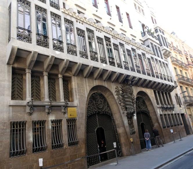 barcelona sightseeing palau güell sehenswürdigkeiten