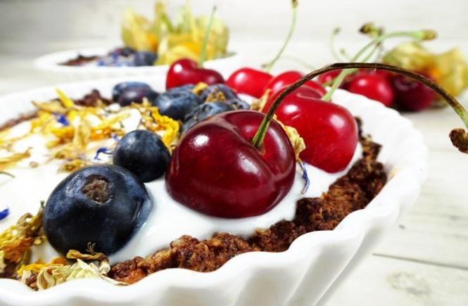 breakfast tarte aus granola kirsch