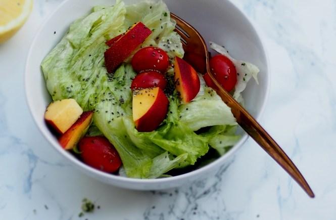Sommersalat mit Zitronendressing