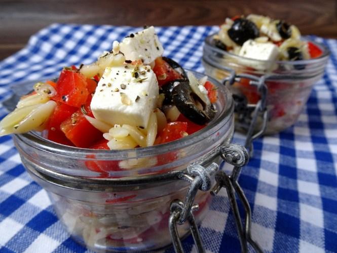 griechischer nudelsalat to go feta