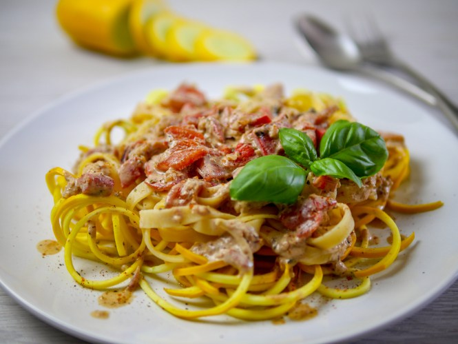 pasta mit paprika und schmand