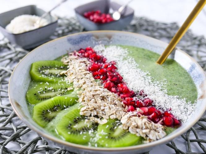 smoothie bowl rezept grün