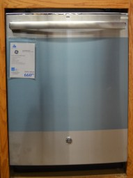 GDT580SSFSS - GE Stainless Steel Dishwasher - $499