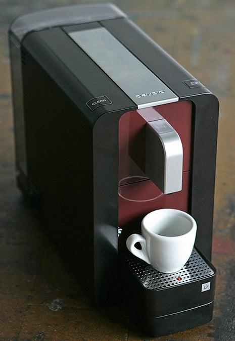 Compact coffee machine  Delizio capsule machine