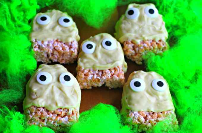 White Chocolate Rice Krispie Ghosts