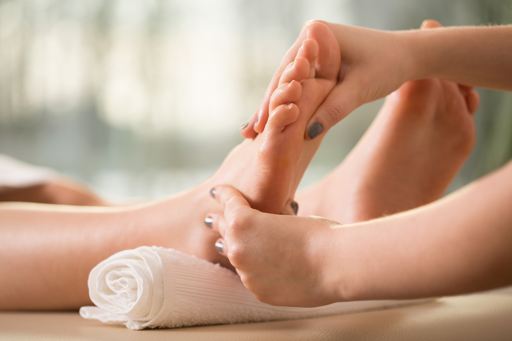 20 AllNatural Remedies for Swollen Feet and Ankles