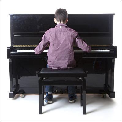 Pianiste de dos