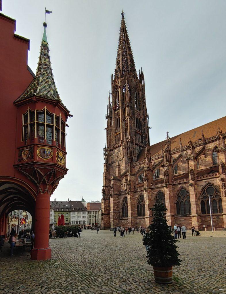 Allemagne_Fribourg-en-Brisgau_Place de la cathédrale