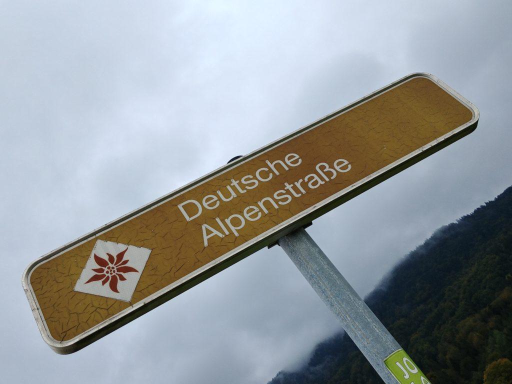 Panneau de la Deutsche Alpenstrasse