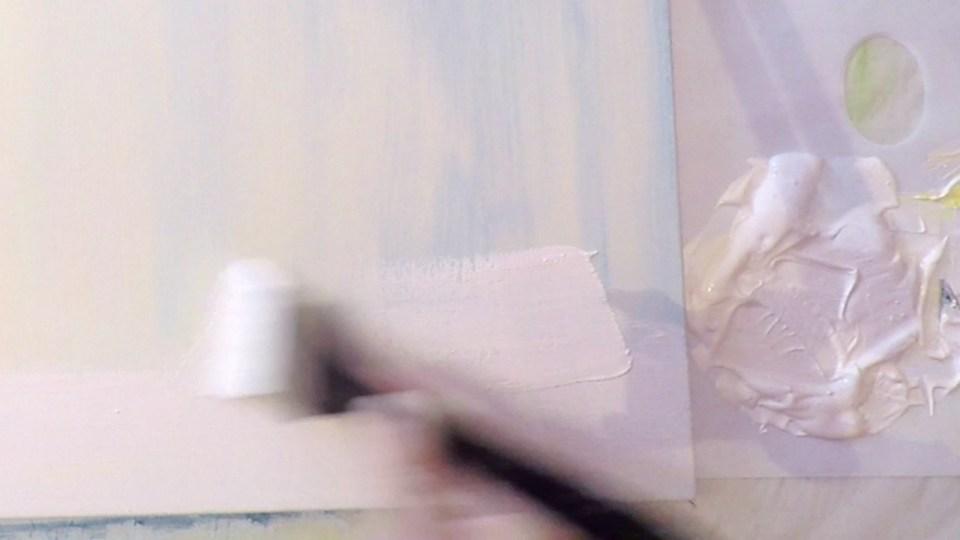 J'ai teinté le gesso blanc avec des tons chairs pour gagner une couche sur la toile que je vais utiliser pour faire un portrait.