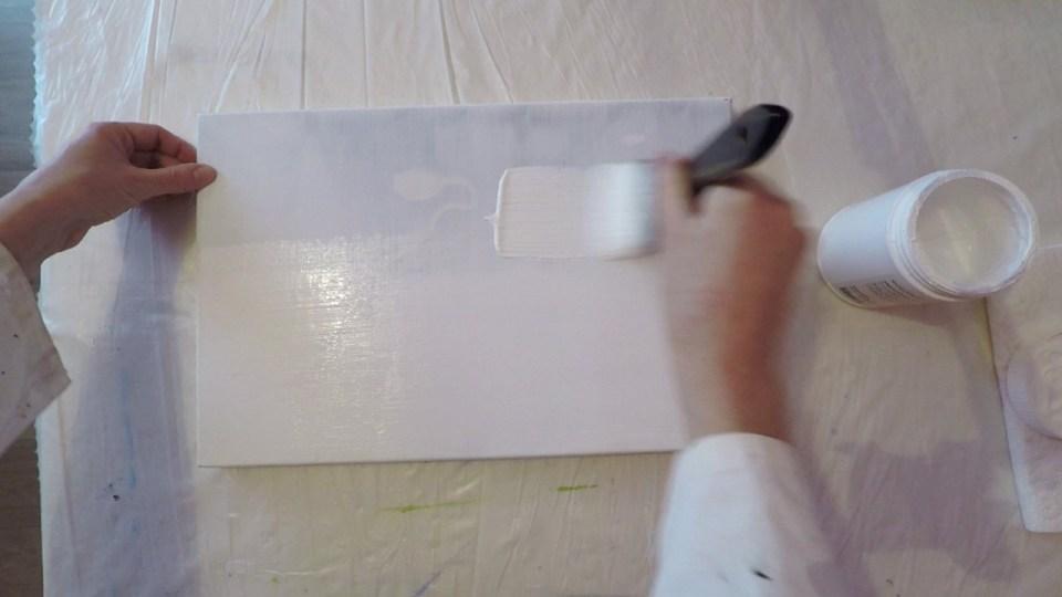 Application de gesso, une utilisation des pinceaux spalters
