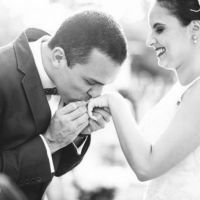 16 infos cruciales sur l'art du baisemain