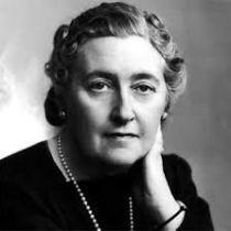grande dame Agatha Christie crime assassinat bonnes manières étiquette lady et se défendre d'un crime bienséance leçon style élégance raffinement protocole mes hommages madame grâce princesse ladies lords lord