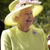 leçon de bonnes manières elisabeth II reine d'angleterre, étiquette protocole usages cour bienséance savoir-vivre bonnes manières leçon lewis hamilton