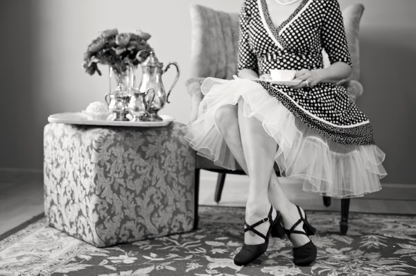 ivitation à prendre un thé café quelle heure durée visite maîtresse de maison goûter 16h ou 17h five o'clock thé anglais earl grey british