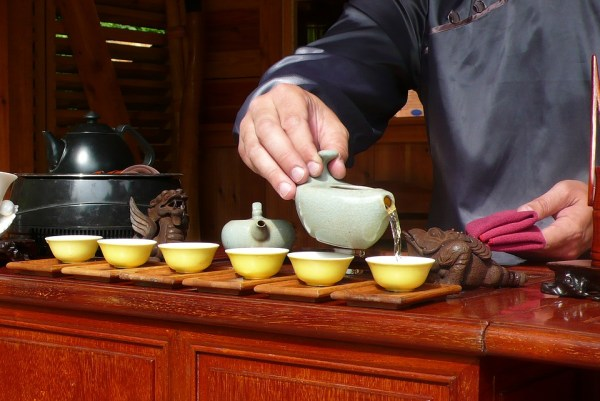 code pour boire le thé argentine japon royaume-uni frnace iatlie étiquette règle politesse