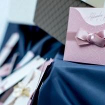 invitation à un mariage mariage invitations noms enveloppe différents épouse nom jeune fille choix nom marié