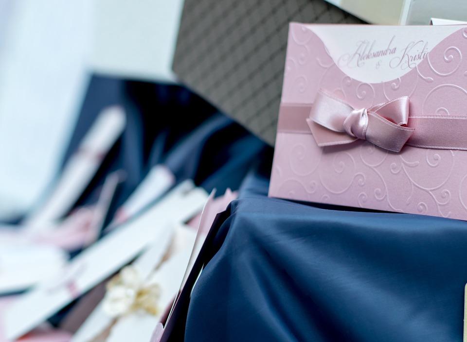 Invitation A Un Mariage Pour Un Couple Avec Noms Differents