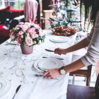 Comment bien placer les verres table en 5 le ons arts de la table - Comment mettre la table en france ...