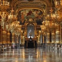 étiquette à l'opéra coach bonnes manières politesse aristocratie théâtre opéra lady gentleman code usages courtoisie respect expert spécialiste