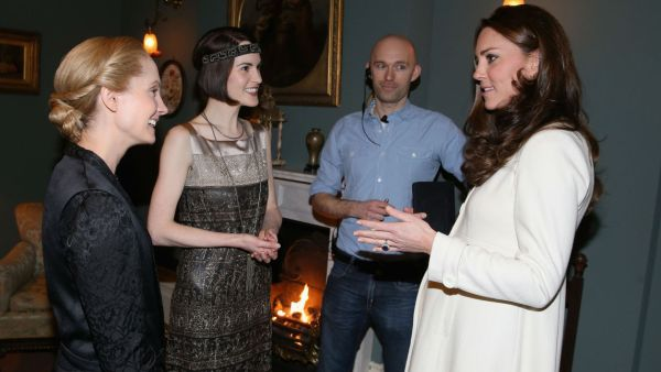 Downton Abbey 10 kate middleton Downton Abbey 7 protocole bonnes manières savoir-vivre étiquette leçon guide usages aristocratie aristocratique coach politesse expert specialiste duchesse cambridge